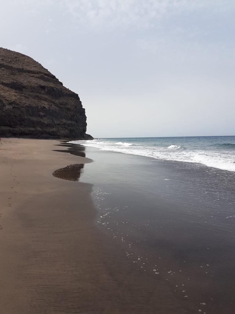 Güigüi beach, one of the nudist beaches of Gran Canaria with difficult access