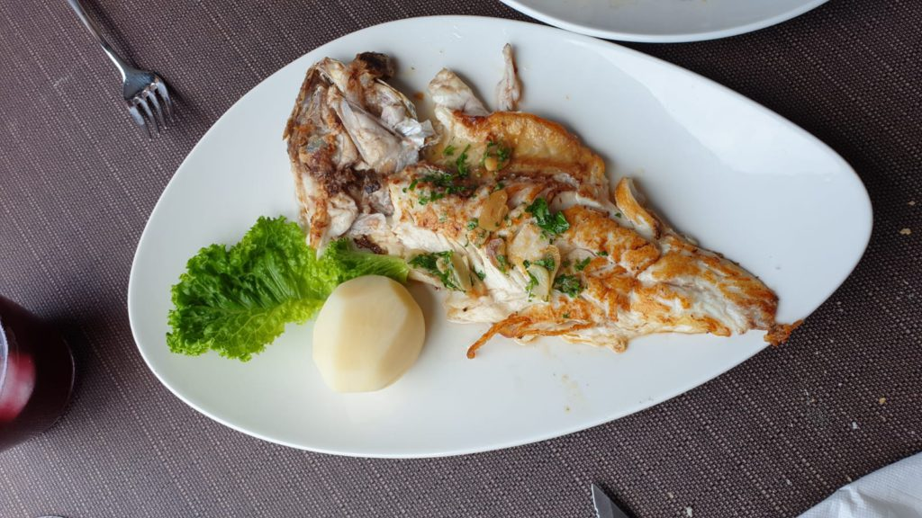 Grilled red porgy, La Marisma