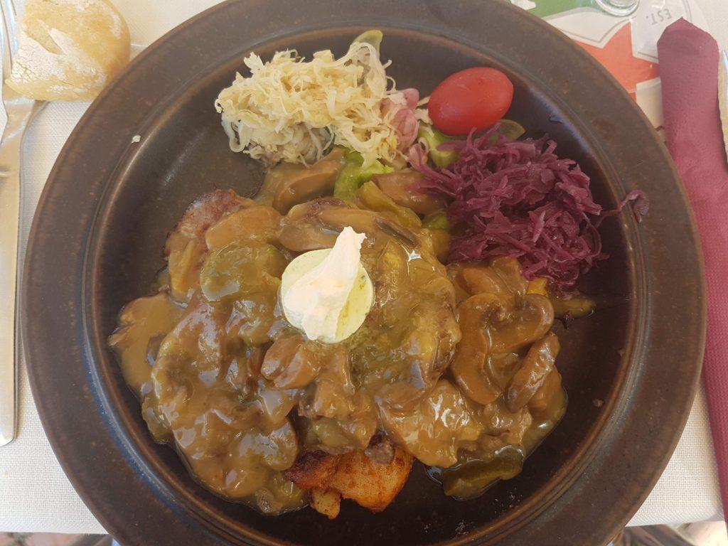 Coeur de Filet Caterina, Balalaika restaurant specialty