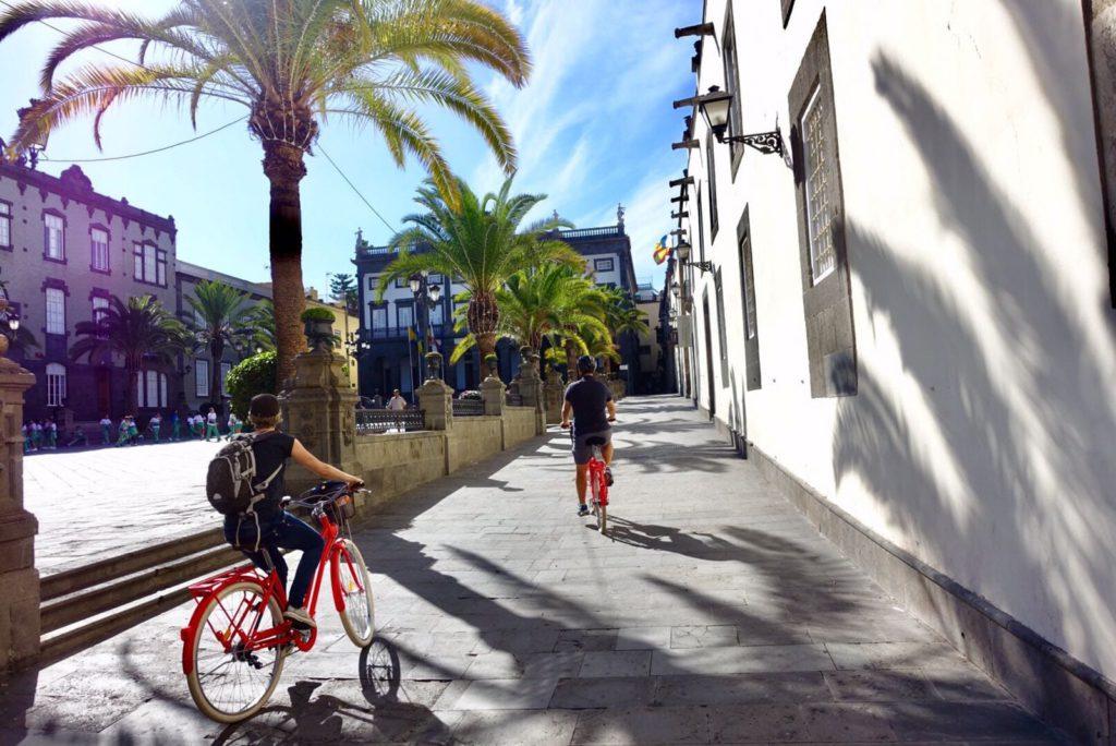 Discover Las Palmas de Gran Canaria with CanaryCleta