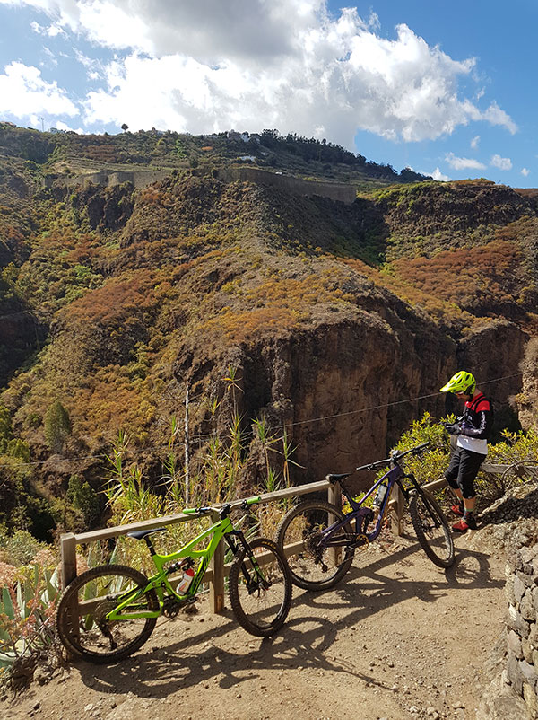 Enduro by bike around Guía, Moya and Firgas