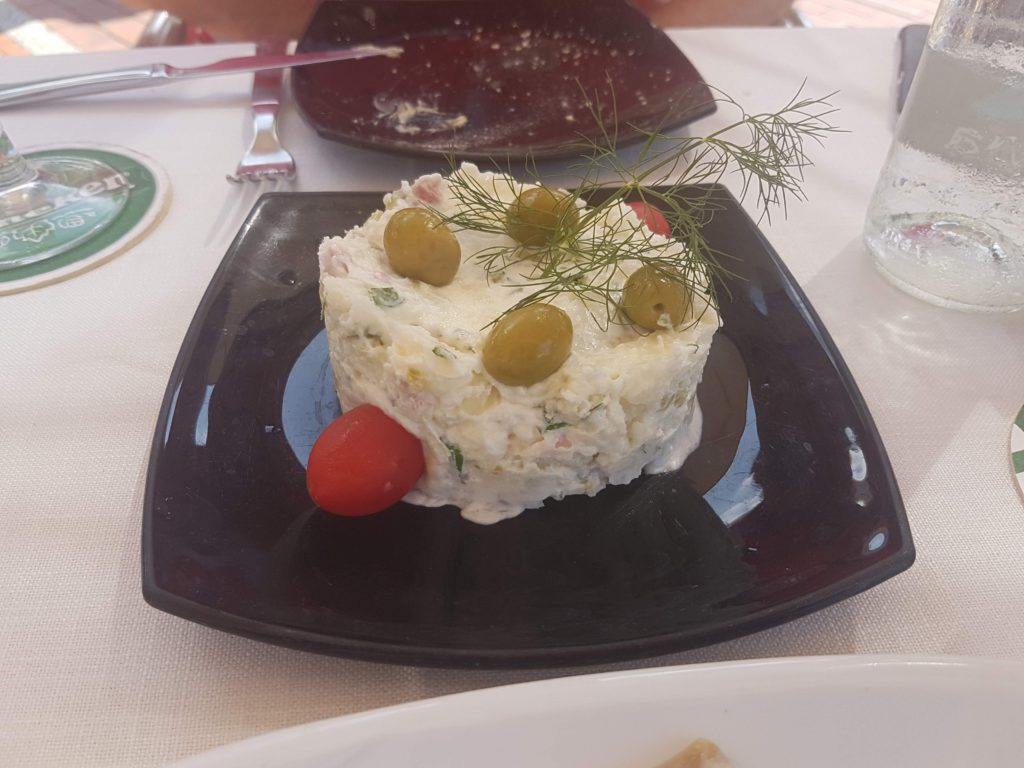 Ensaladilla rusa, restaurante Balalaika