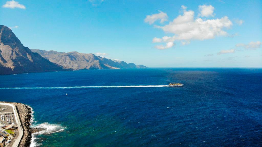 Fred Olsen rumbo Tenerife desde Puerto de Las Nieves, Agaete