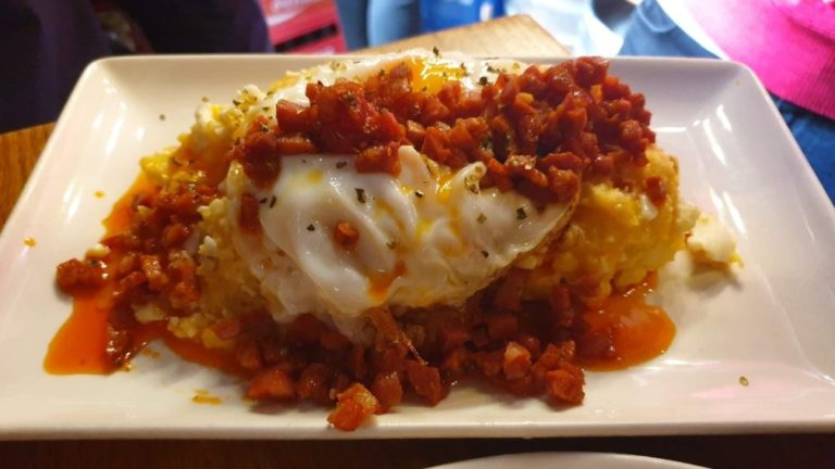 huevos rotos triana