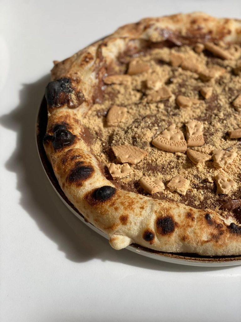Pizzerías en Las Palmas: pizza con nutella y galletas de Bandama