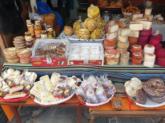Puesto de productos de Canarias en Cruz de Tejeda