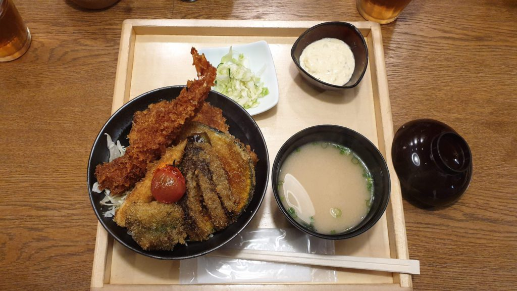 Tare-katsu of vegetables and prawn, where to eat in Tokyo