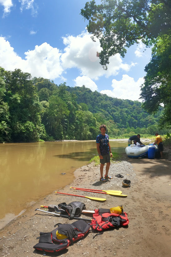 Things to do in Costa Rica. Rafting down Pacuare River