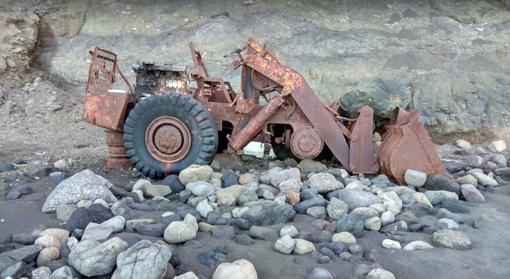 Abandoned tractor in Faneroque
