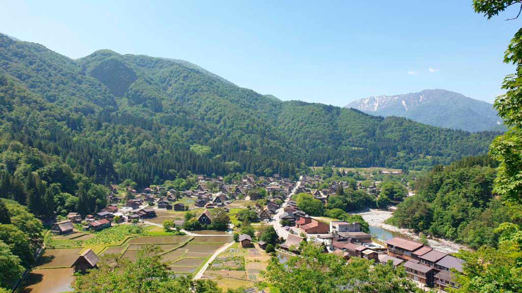Vistas a Shirakawa-go desde el mirador