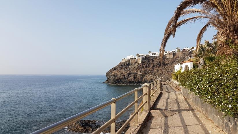 Acceso Playa del Pirata