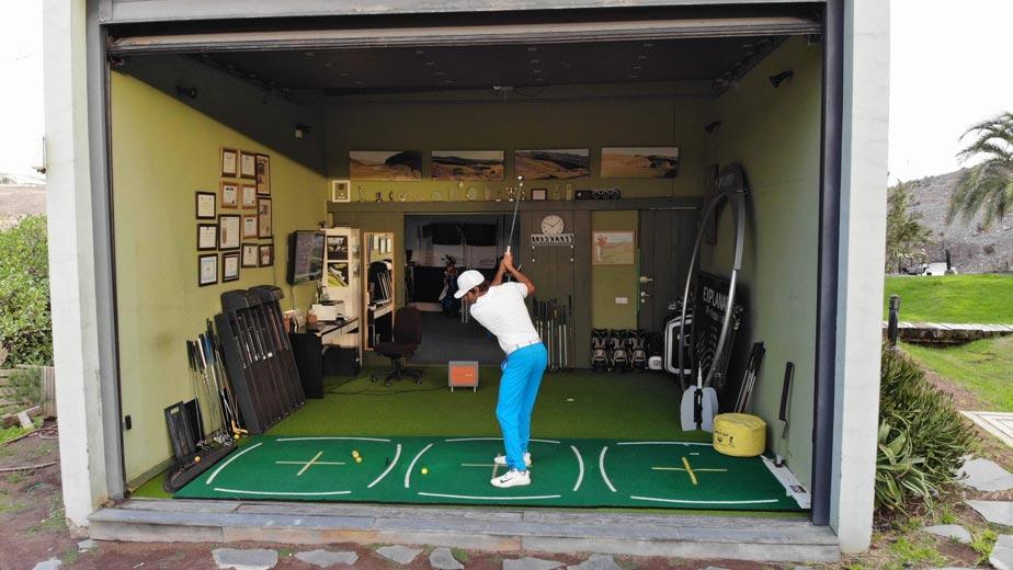 Clases de golf en los campos de Salobre Golf