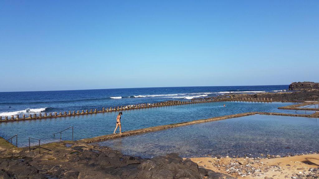 Playa de El Agujero y piscina natural