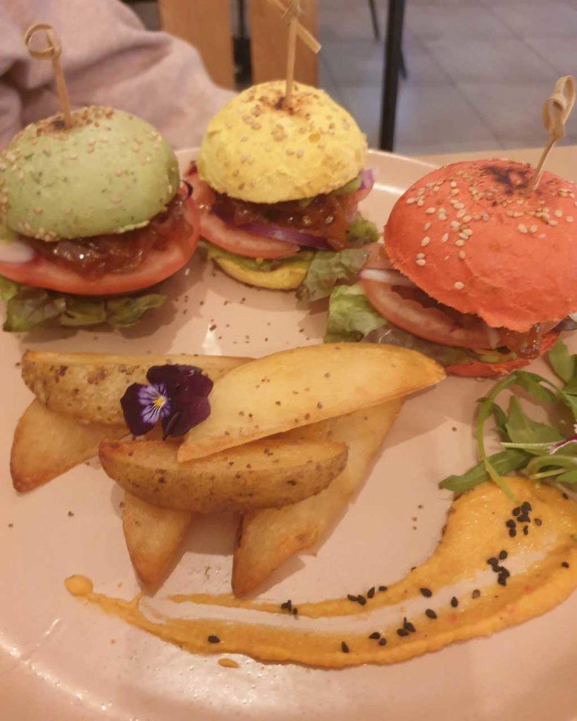 trío de hamburguesas