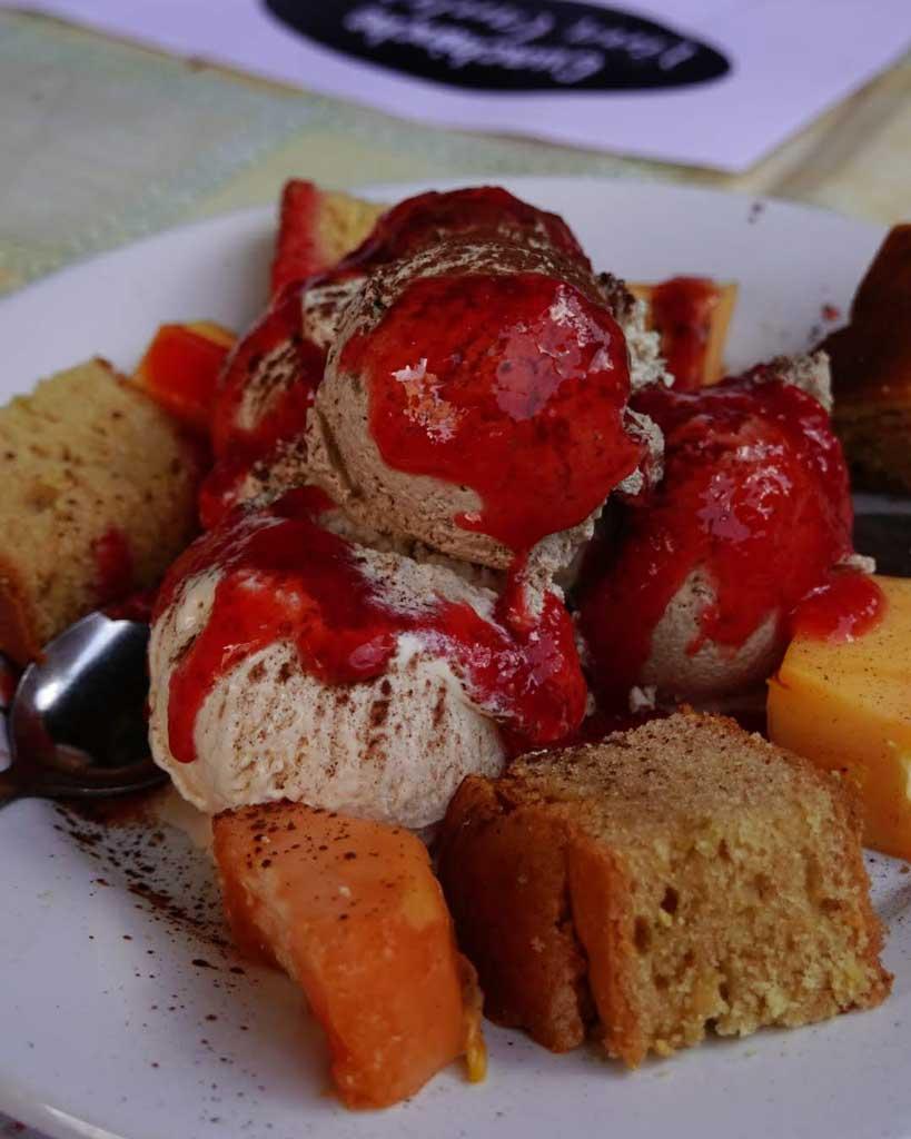 helados artesanos y papaya