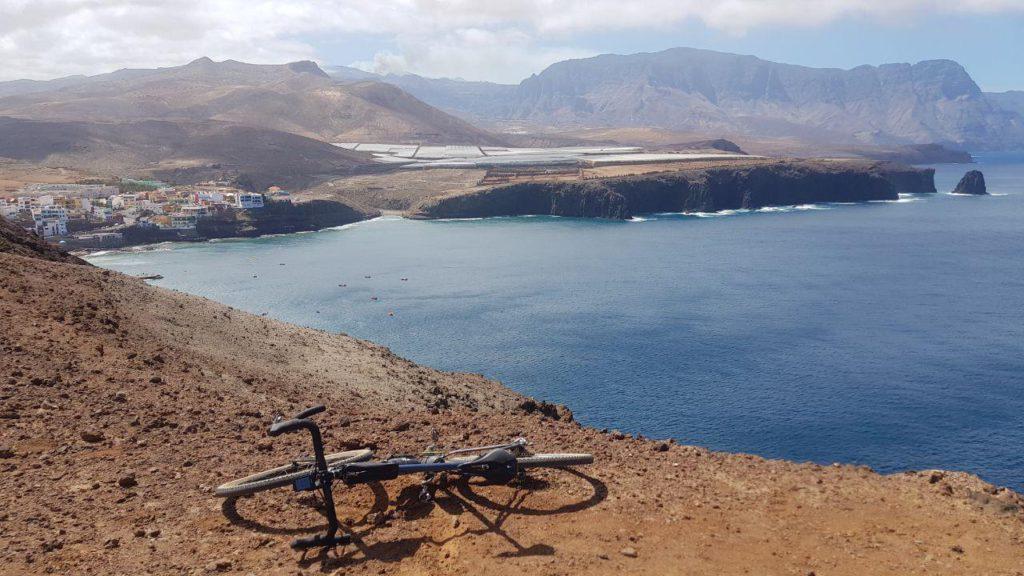 Ruta en gravel bike por Gáldar, Sardina del Norte y Agaete. Parada en Sardina del Norte