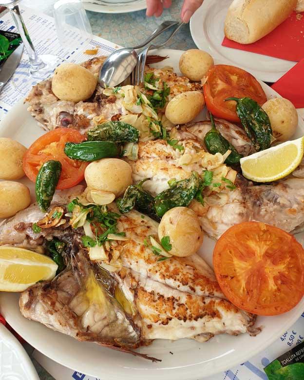 Pescado a la espalda en Angor, restaurantes en Agaete