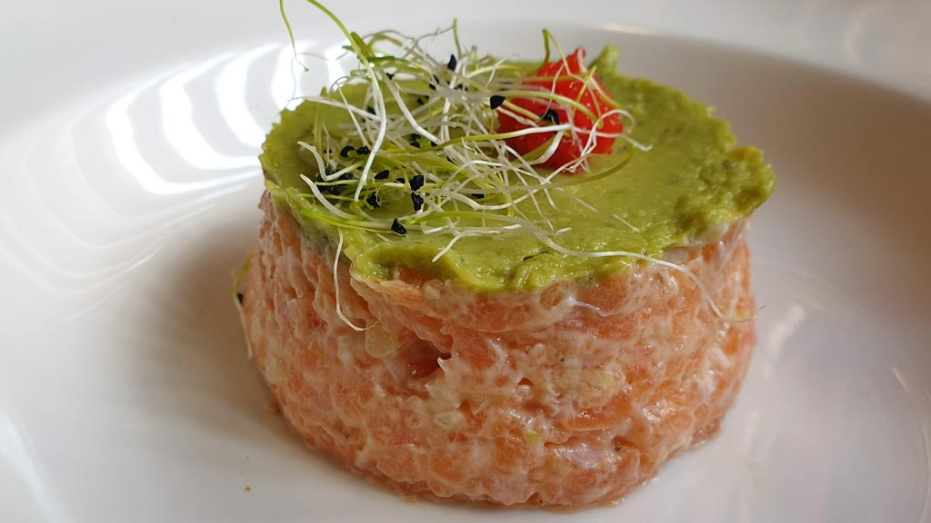 Tartar de salmón, restaurante Fuji