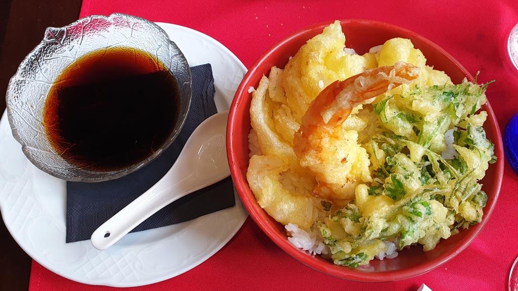 Tempura y arroz en fuji